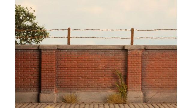Barbed wire  (1:72 – 1:120)