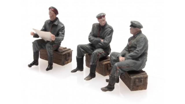 WW I Uitrustende Duitse soldaten 3 Fig.