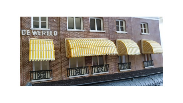 Hotel De Wereld - Markiezen 7 stuks smal/1 breed