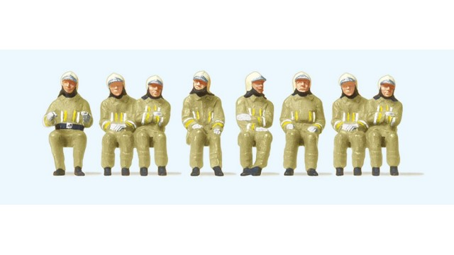 1:87 Brandeerlieden zittend