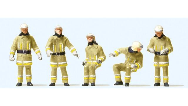 1:87 Brandweerlieden in het voertuig