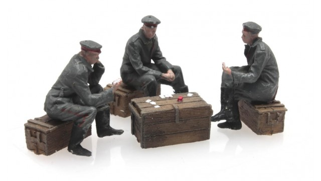 WW I Kaartspelende Duitse soldaten 3 Fig.